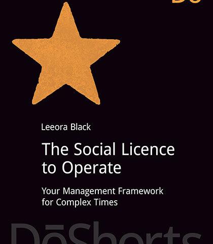 Book review: Licența socială de operare